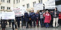 Protest rodziców: Nie damy zamknąć naszych szkół