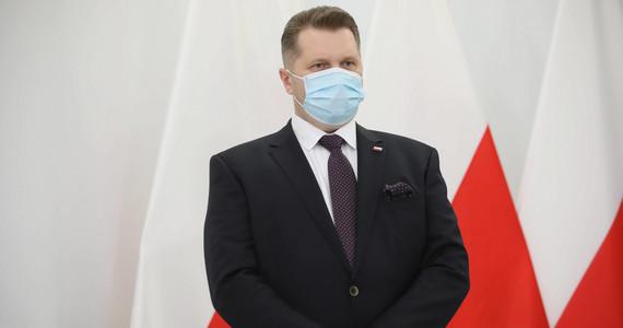 Otyłość wśród młodzieży. Przemysław Czarnek składa deklarację ...