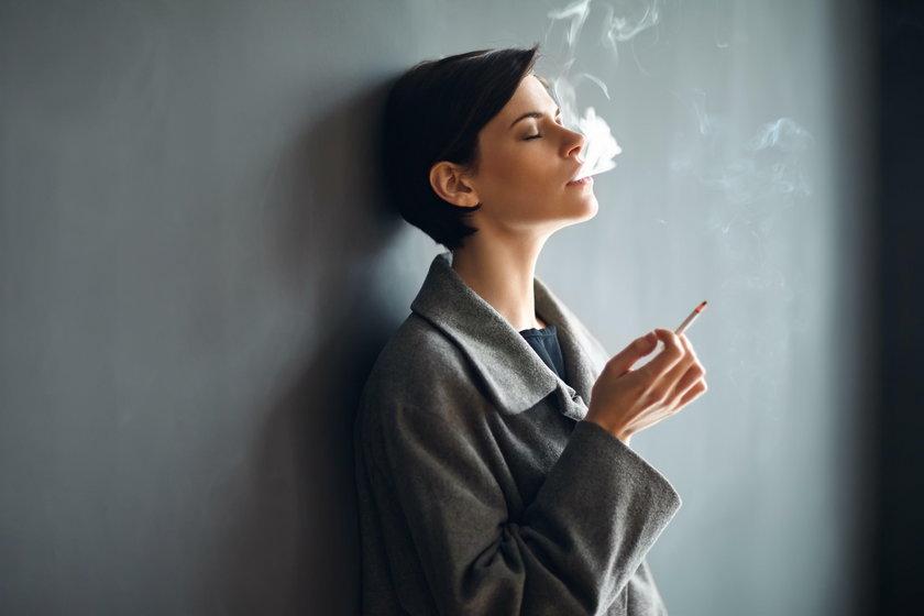 Picie i palenie ma związek nie tylko z nowotworami! Sprawdź, co jeszcze ci grozi