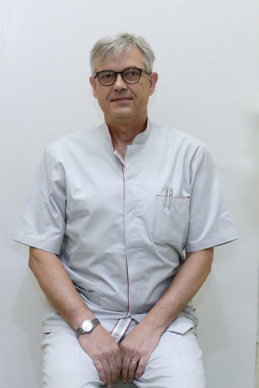 Kręgosłup szyjny jest znacznie bardziej delikatny w swojej strukturze w stosunku do odcinka lędźwiowego – tłumaczy ortopeda dr Krzysztof Kołtowski