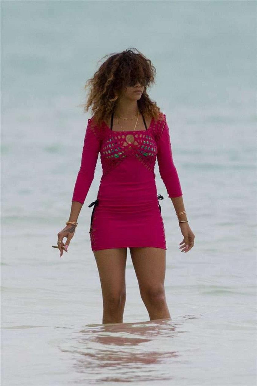 Co pali Rihanna? To nie papieros!
