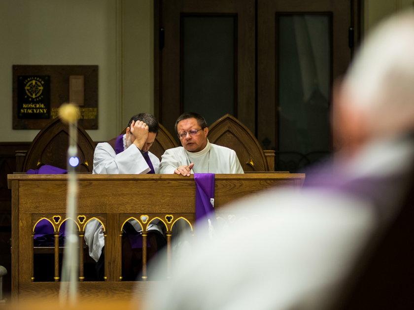 """""""Wyznajemy, że chroniliśmy winowajców i uciszaliśmy krzywdzonych"""". Mocne słowa abp. Rysia o pedofilii"""