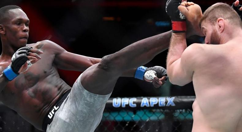 Israel Adesanya's fails in his attempt at Light Heavyweight  (Instagram/UFC)