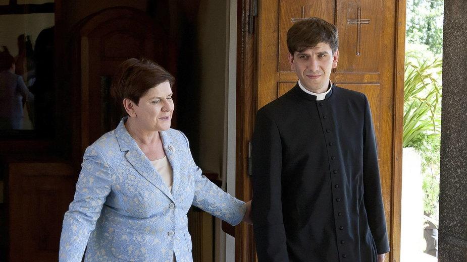 Tymoteusz Szydło z mamą Beatą Szydło w 2017 roku