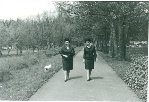 Jovanka Broz sa sestrom Nadom Budsavljević