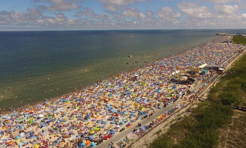Trzy razy mniej osób będzie mogło wejść na plaże? Są nowe zalecenia