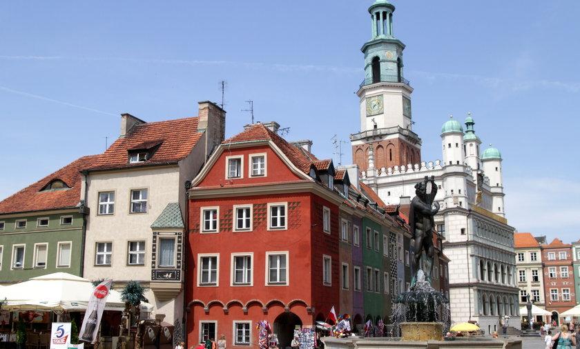 Na rynku w Poznaniu nie ma kiosku informacji turystycznej.