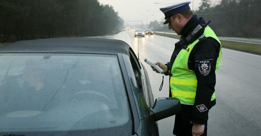 Bez ważnego OC w Polsce jeździ blisko 100 tys. kierowców