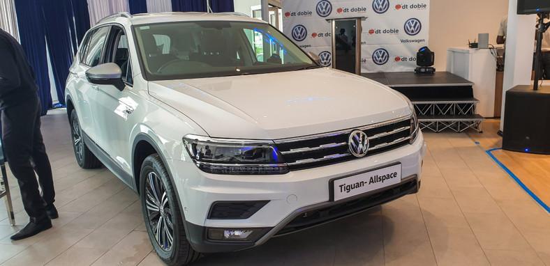 The new Volkswagen Tiguan Allspace. (DTDobieKE)