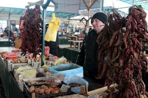 Na pijaci u Jagodini tražene su i suve paprike