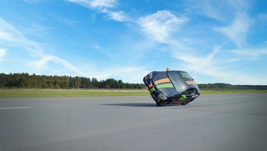 Rekord prędkości samochodem na dwóch kołach