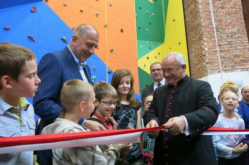 """Otwarcie Centrum Aktywności Sportowej i Społecznej """"Skałka"""""""