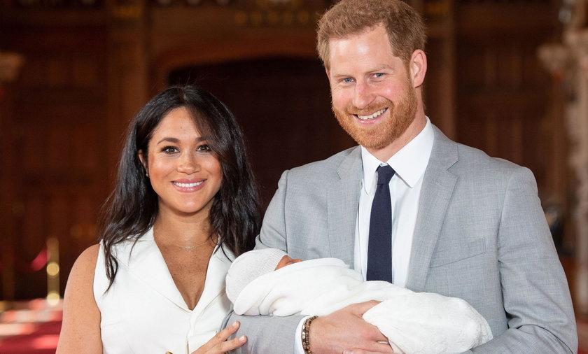 Księżna Meghan i książęHarry z synem Archim