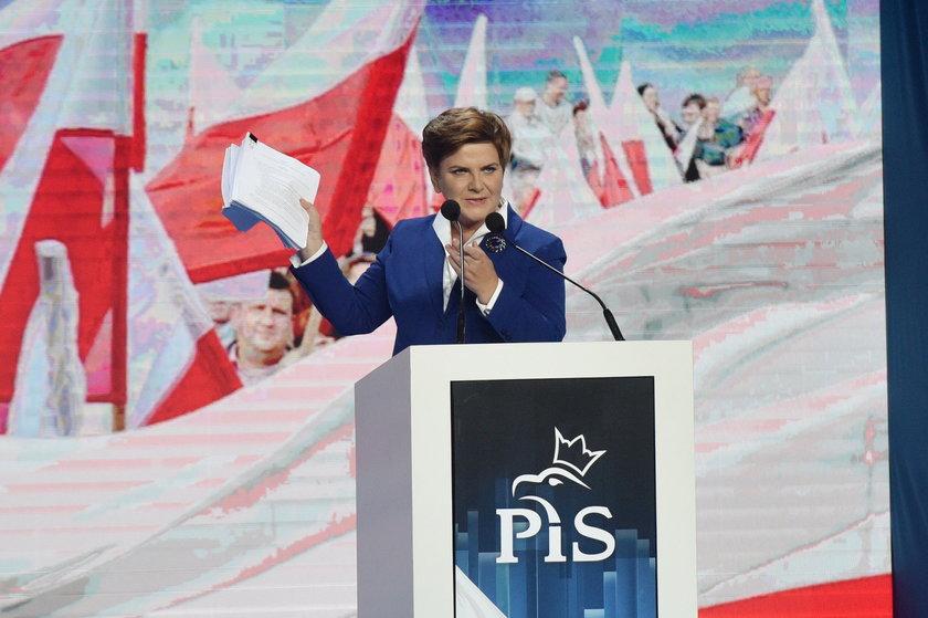 PO i PiS w wyścigu na obietnice
