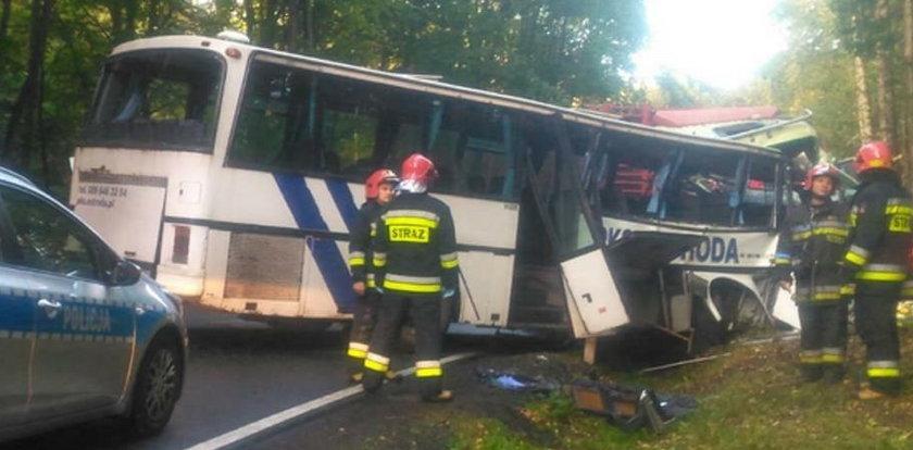 Tragedia! Autobus z dziećmi miał czołówkę z tirem pod Ostródą. Są ofiary