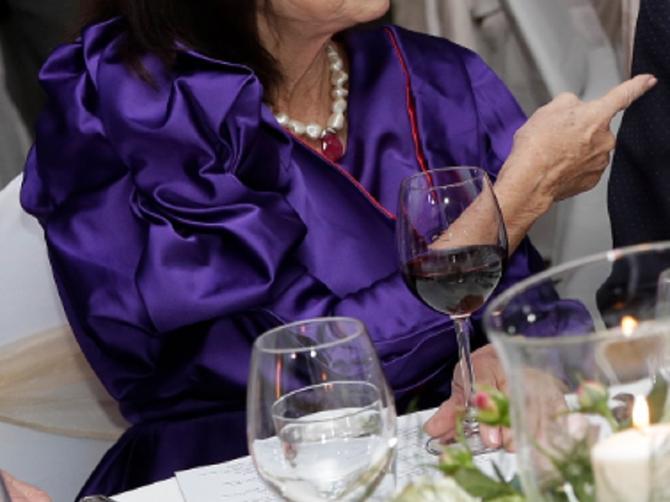 Ona je jedna od najbolje odevenih Srpkinja, ima 81 godinu, pa gledajte i učite!