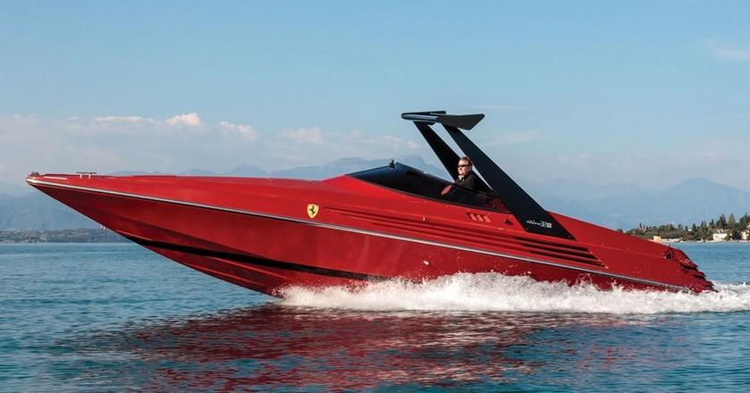 Łódź motorowa Ferrari
