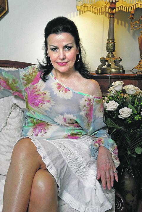On je bivši muž Snežane Savić: Reditelj je danas oženjen 36 godina mlađom glumicom, ponovo je postao otac u 76. godini života! FOTO