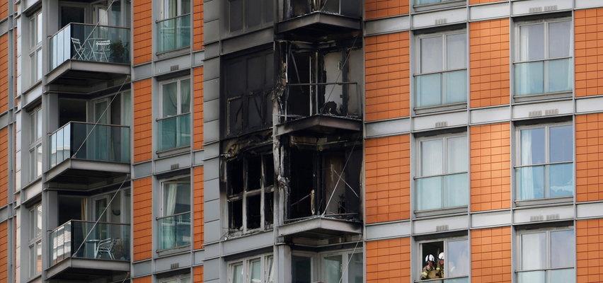 Przerażające ZDJĘCIA z pożaru w Londynie. Wieżowiec w ogniu. Co z ludźmi?