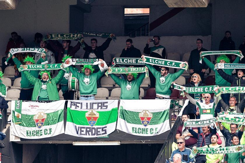 Piłkarze Elche przerwali strajk