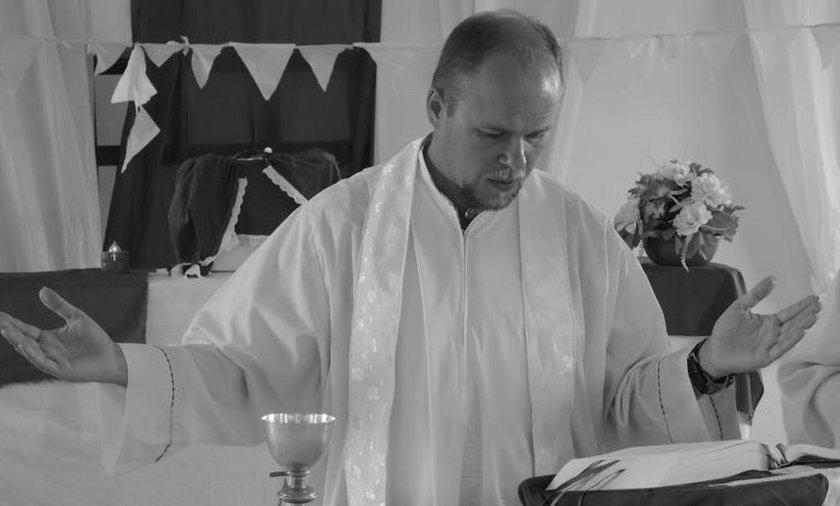 Ujawniono przyczynę śmierci księdza Adama Bartkowicza. Tak żegna go przyjaciel
