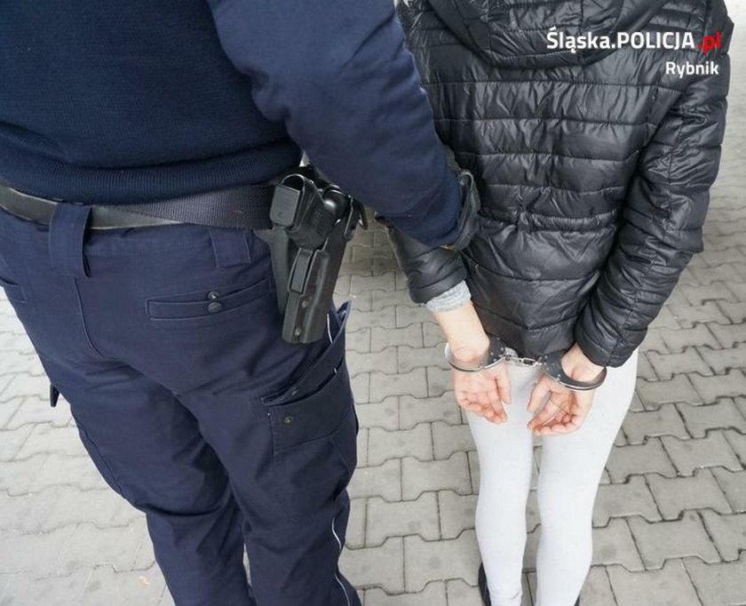 Nastolatka pchnęła nożem partnera mamy