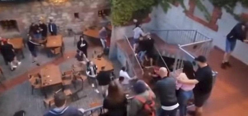 Ktoś rzucił szklanką w pubie i się zaczęło. Szokujące wideo ze Świdnicy