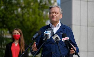 Biedroń apeluje do premiera, aby obniżył uposażenia sobie i swoim ministrom