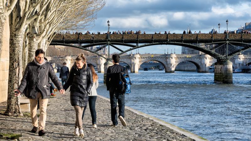 Nad Sekwaną w Paryżu