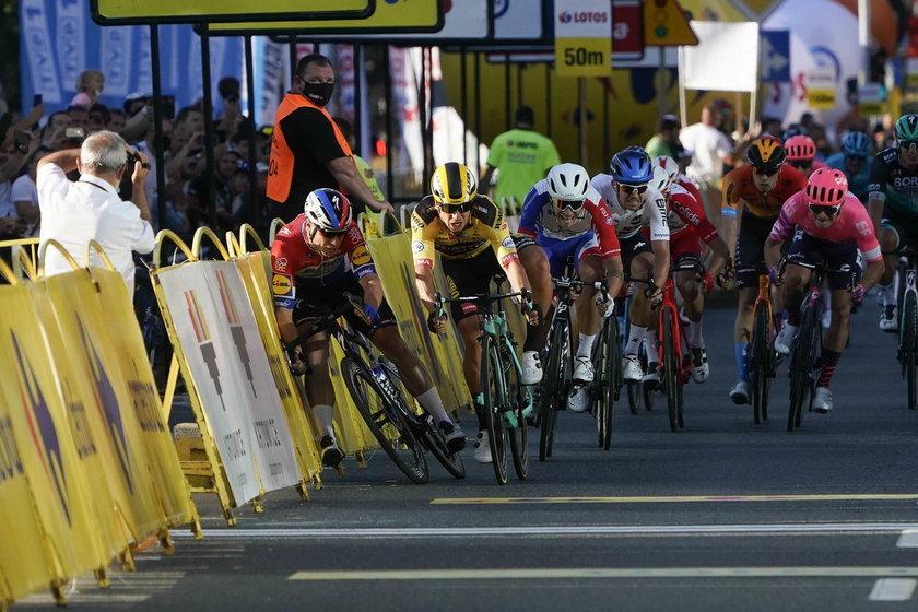 Fabio Jakobsen (24 l.), który uległ ciężkiemu wypadkowi w Tour de Pologne, ma nadzieję, że w tym miesiącu będzie mógł wsiąść na rower.