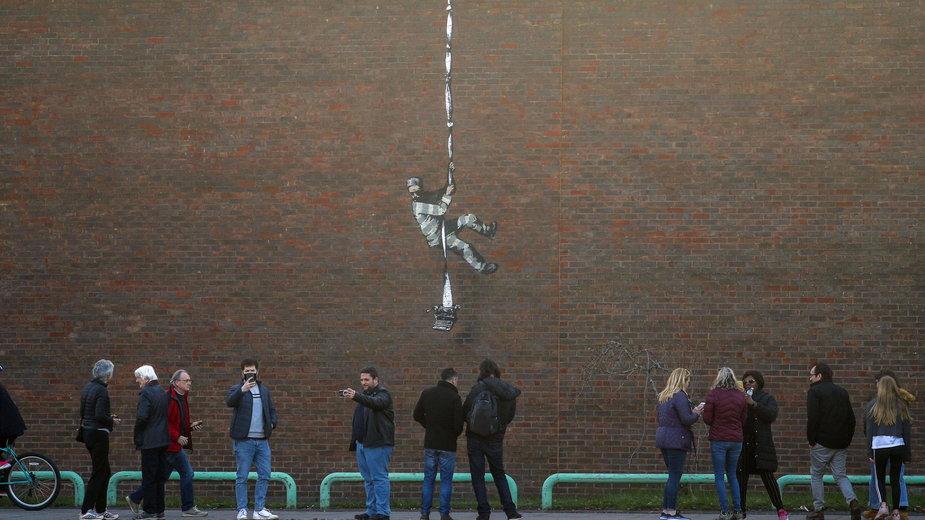 Banksy potwierdził autorstwo muralu w Reading