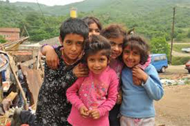 Vranje 4 Romska deca Foto V Pesic