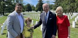 Polski dziennikarz był z synem na cmentarzu. Nagle podszedł do nich Joe Biden...