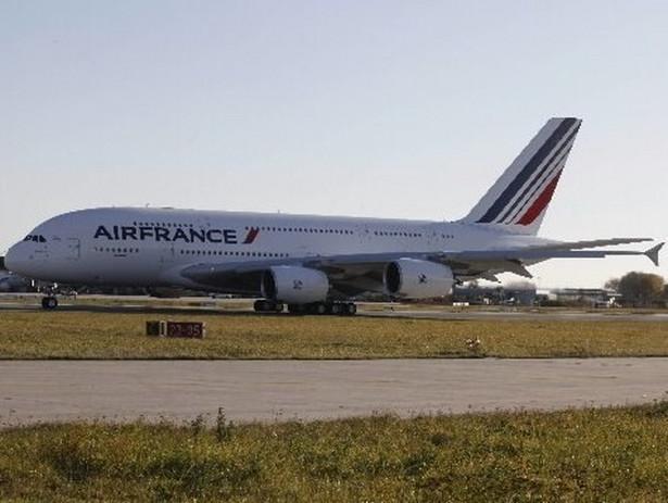 Rozpoczął się strajk pilotów linii Air France. Akcja może w poważnym stopniu utrudnić życie podróżnym