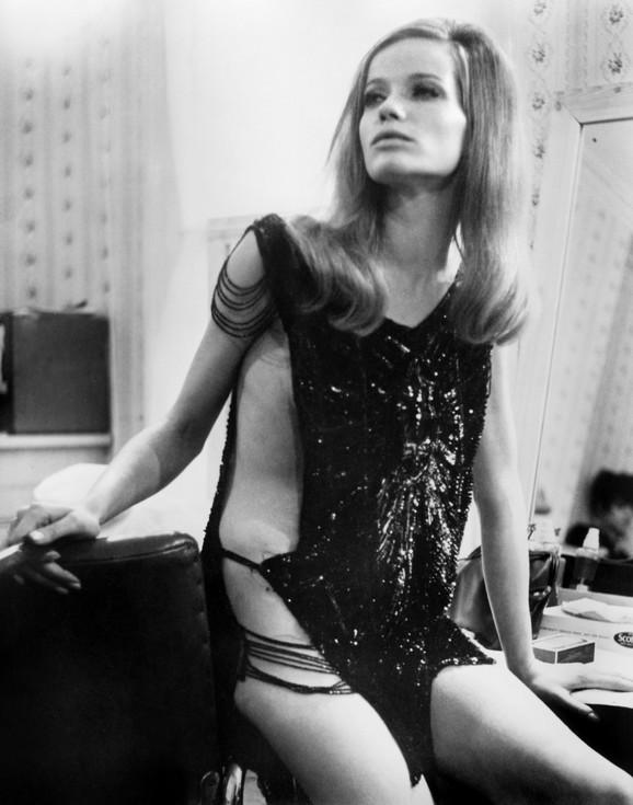 Prvog dečka je imala sa 26 godina. Bio je to fotograf Franko Rubarteli, jezivo ljubomorni i za glavu niži Italijan