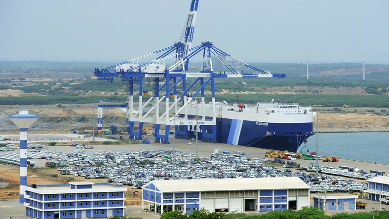 Port w Hambantota na Sri Lance