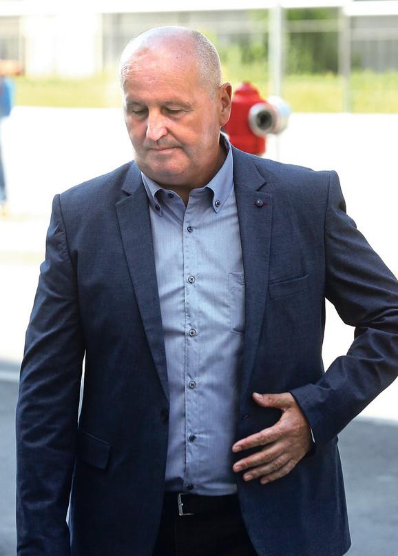 Dok se bivši šef beogradske policije Stevan Bijelić (na slici) pojavio na suđenju, prvooptuženi Vukolić je izostao