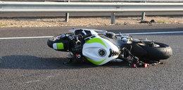 Dramatyczny wypadek pary na motocyklu! Wszystko przez owada