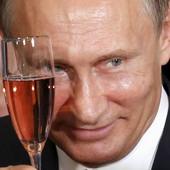 Putin se ponosi činjenicom da je popularan kod naroda, ali je dobio opasnu konkurenciju: Ovaj političar ga je SKINUO SA TRONA