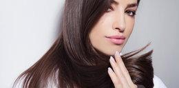 Lśniące włosy bez stosowania drogich kosmetyków? Znamy sposób