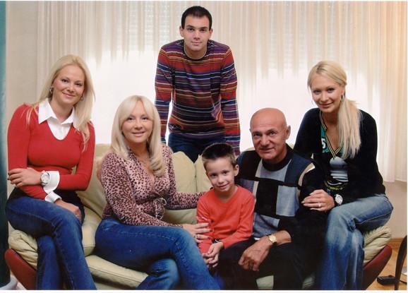 Porodica Šaulić na okupu