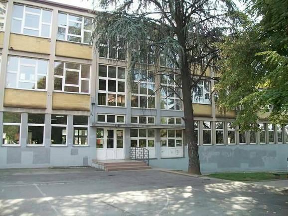 Srednja škola za negu lepote