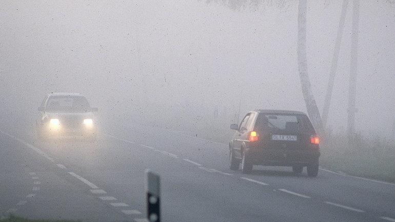 Właściwe używanie świateł przeciwmgielnych niemal od zawsze stanowiło problem dla znacznej części kierowców.