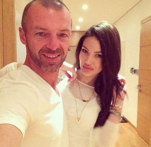 Bivša žena Simona de Karića ima novog dečka! Posle razvoda uživa sa OVIM tipom! FOTO