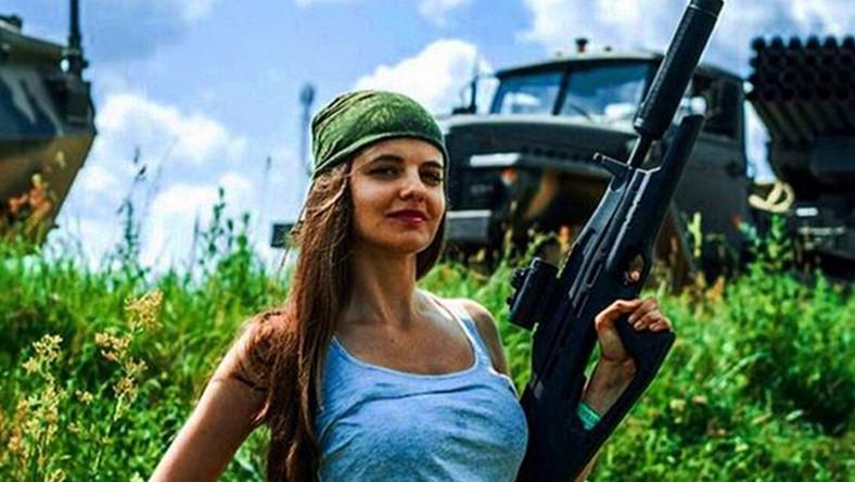 Rosyjskie media cmokają z zachwytu nad urodą 26-letniej Rossijany. Nowa rzeczniczka urodziła się we Władywostoku, ukończyła dziennikarstwo na Uniwersytecie Dalekowschodnim.