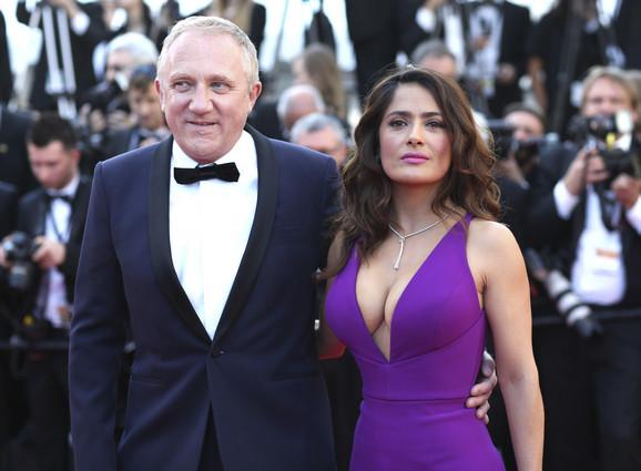 Fransoa Pino sa suprugom glumicom Selmom Hajek