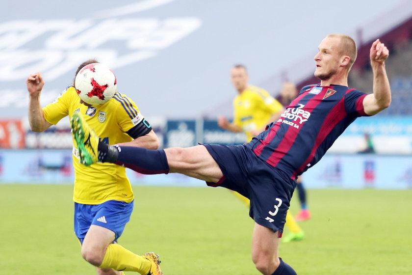 Legia śmieje się z Lecha, a Probierz z całej ligi