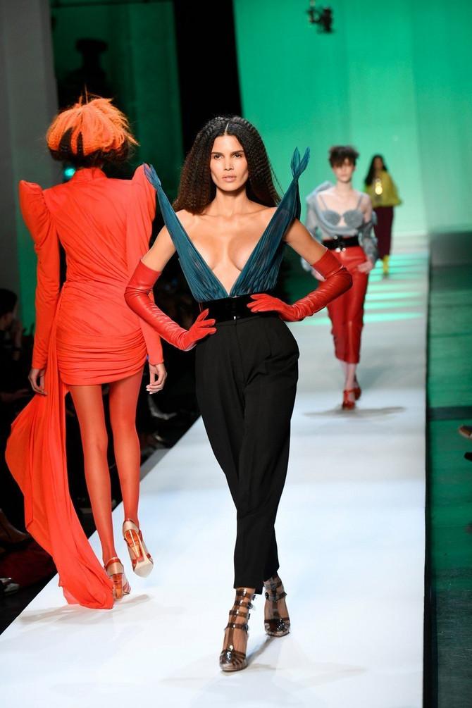 Crne pantalone dostojne su i velikog Pariza