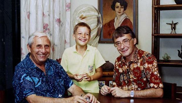 Krystyn Olszewski (po lewej) z wnukiem i synem Piotrem