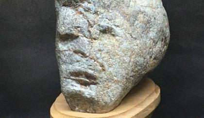 Całe życie zbierał kamienie. Są przerażające